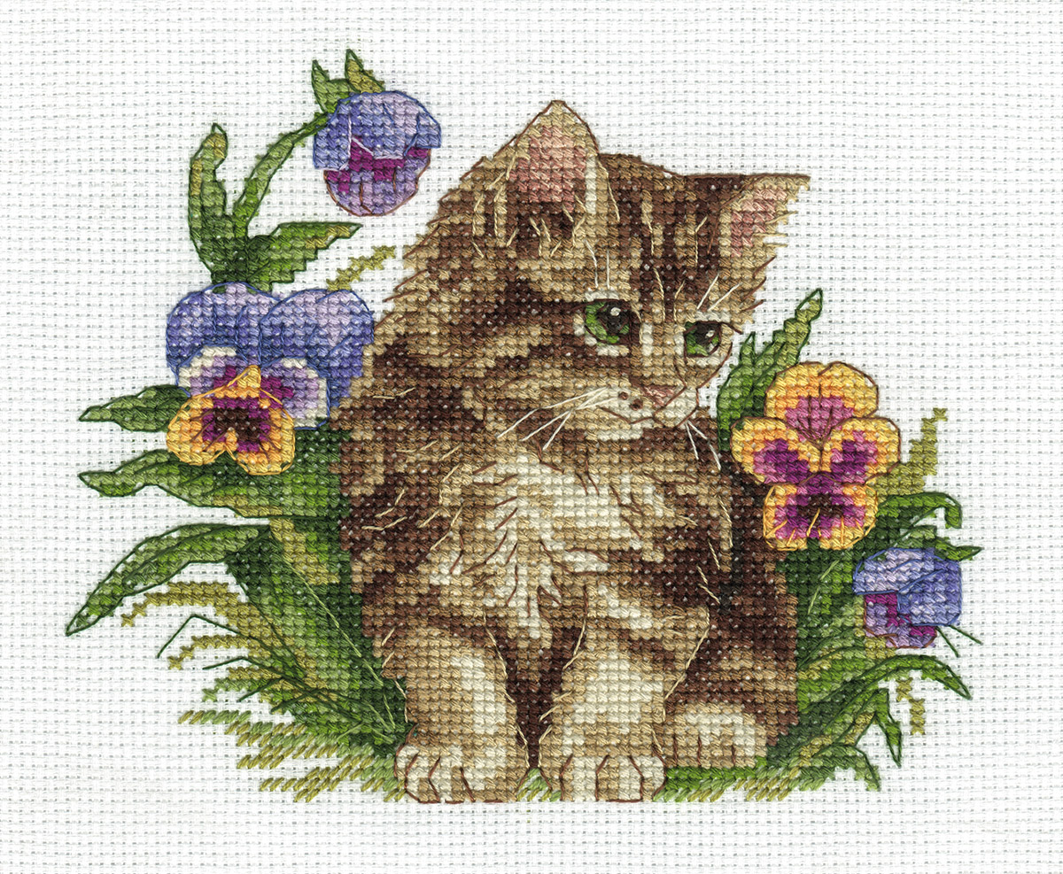 Embroidery kits PANNA 8-209 Kitten among Pansies
